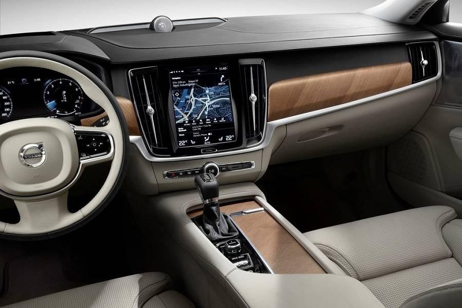 Volvo-S90-2017-cockpit