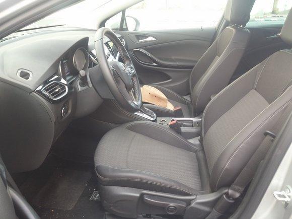 מושב הנהג אופל אסטרה