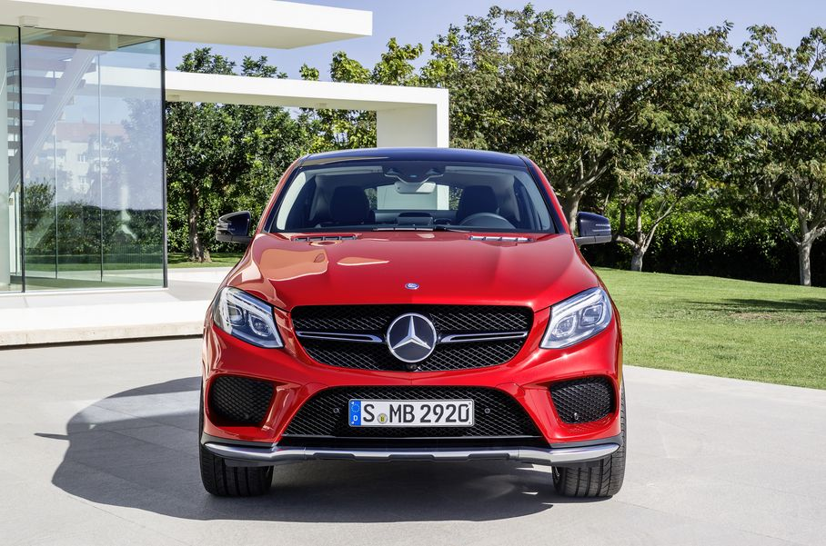 Mercedes-Benz-GLE-2015-1