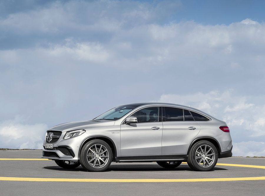 Mercedes-Benz-GLE-2015-3