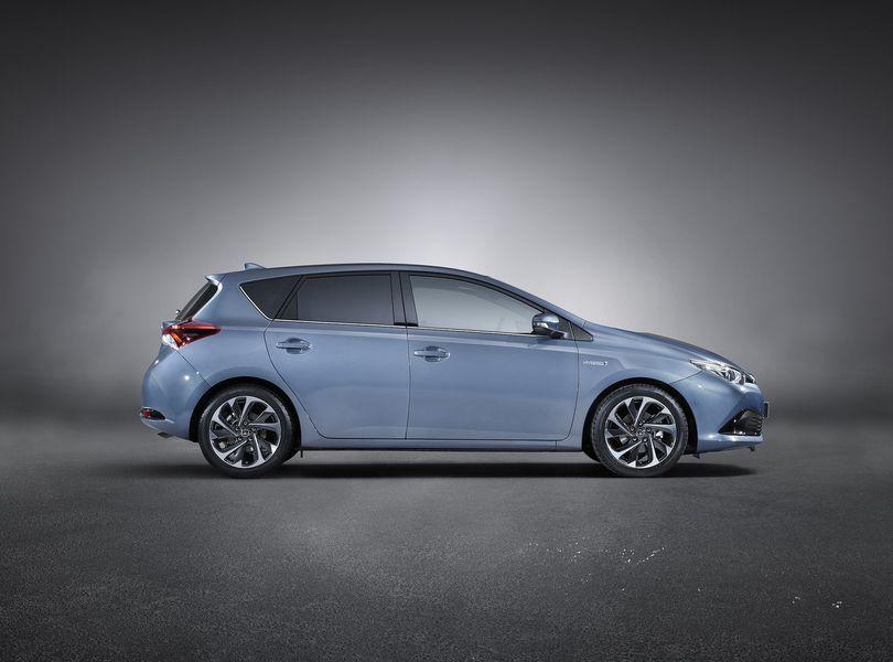 Toyota-Auris_2016_9