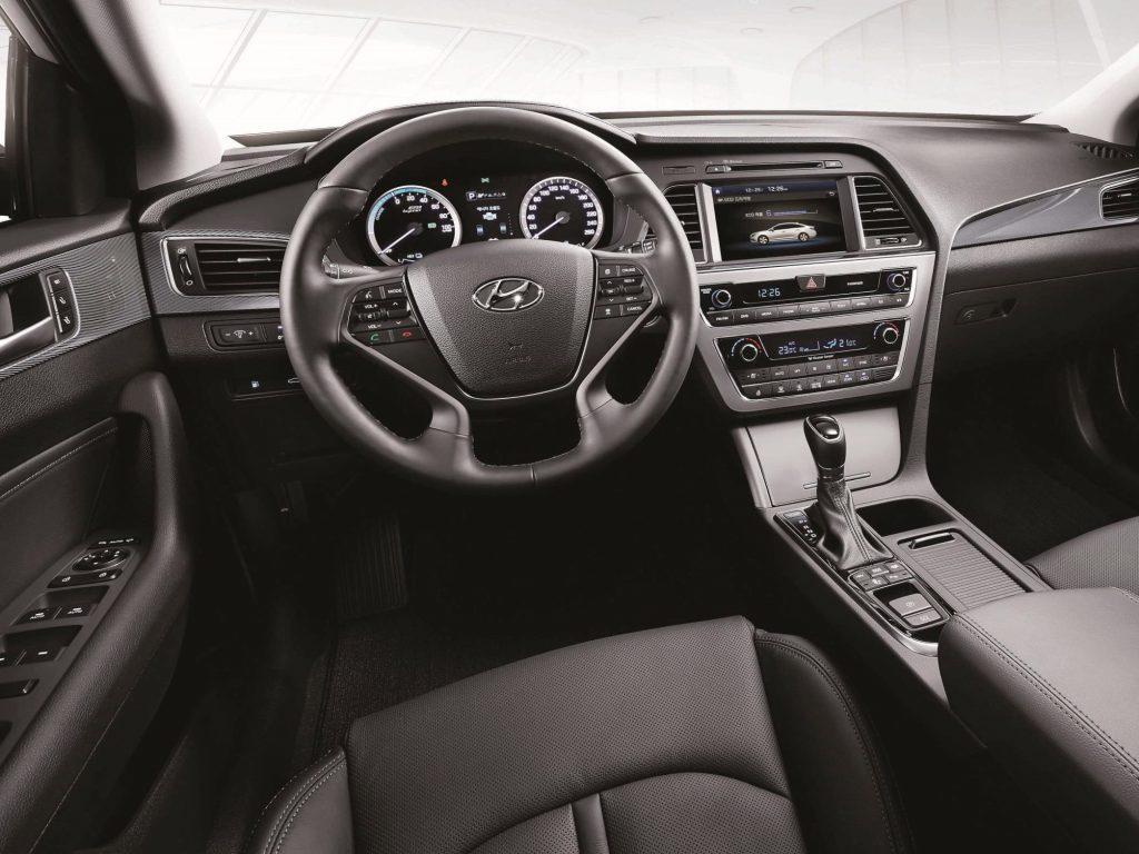 Hyundai_Sonata_Hybrid_2015_2