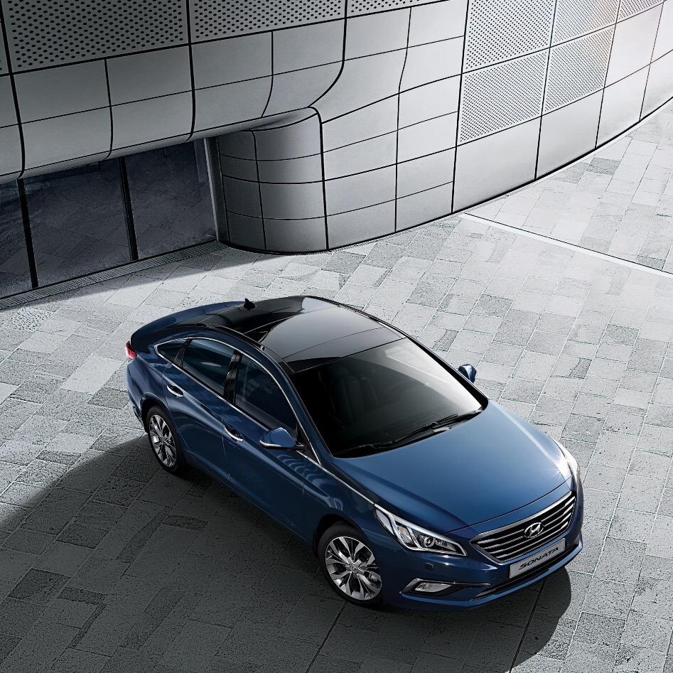Hyundai_Sonata_Hybrid_2015_1